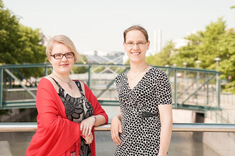 Laura Salovaara ja Saara Aittakumpu. Valokuva: Jukka Lariola.